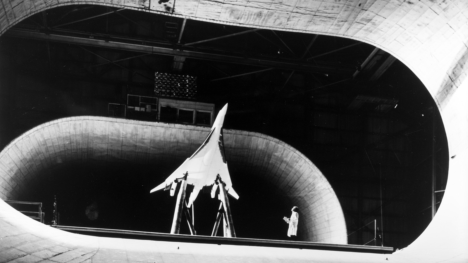 28 Gorgeous Wind Tunnels That Will Blow You Away Gizmodo