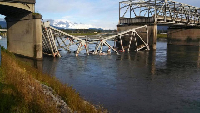 Bridge Collapses in Washington State, Dumping at Least 3 Cars In River