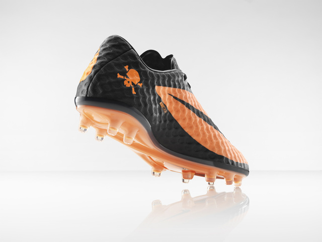 Nike Hypervenom: It's Like Playing Soccer Barefoot