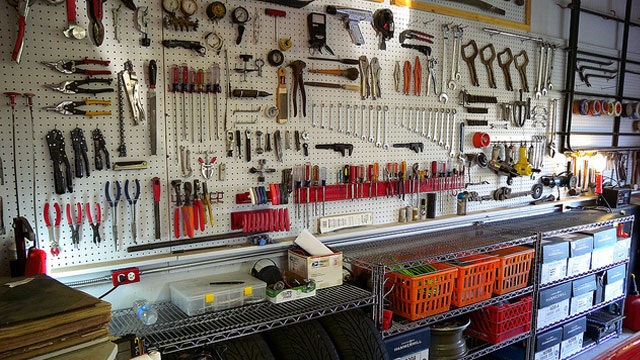 How to build the essential toolbox for every level of diy for Building design tool