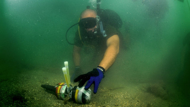 How the Navy of the Future Will Find—And Destroy—Underwater Mines
