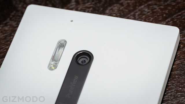 Nokia Lumia 928 Review: Flawed Beauty, Best Camera