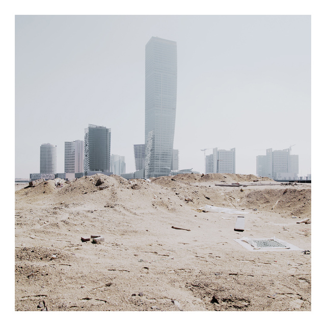 Gorgeous Windswept Photos of Dubai's Booming, Bloated Metropolis