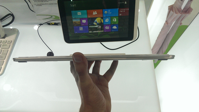 Acer Iconia W3 Hands On: First Mini Windows 8 Tablet Can't Measure Up