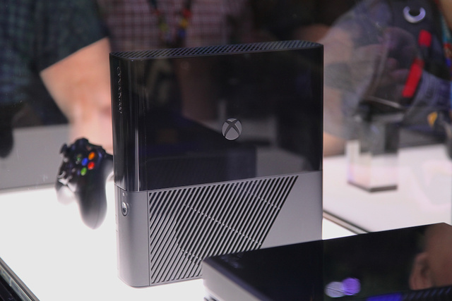 Hey Look It's the New Old Xbox 360 Next to the New Xbox One