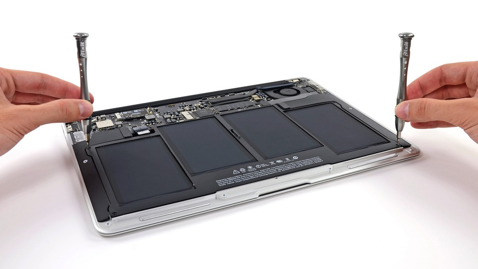 MacBook Air 2013 Teardown: So Much Battery