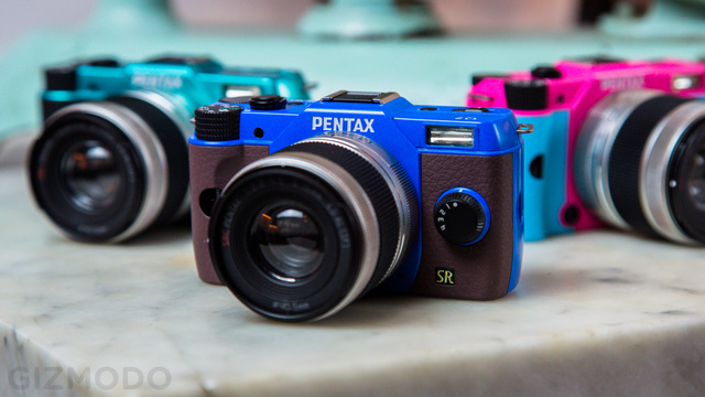 Pentax's Q7 Interchangeable-Lens Camera Is Tiny Like a Point-and-Shoot