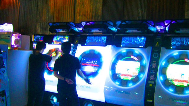 Inside the Japanese Arcade That Looks Like a Hong Kong Slum