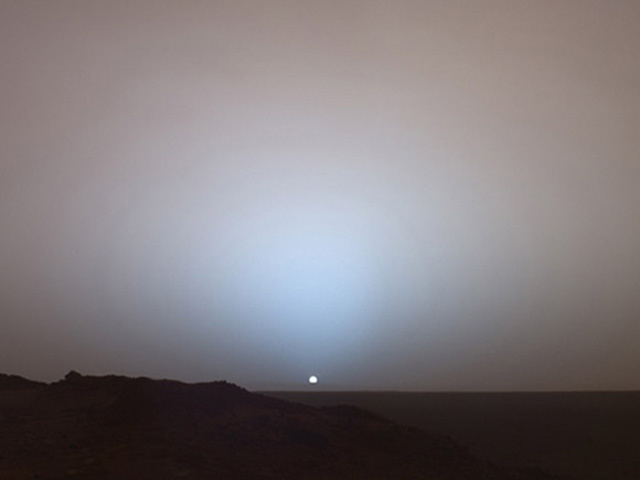 Why the Sunset Looks the Same on Mars as it Does in Beijing