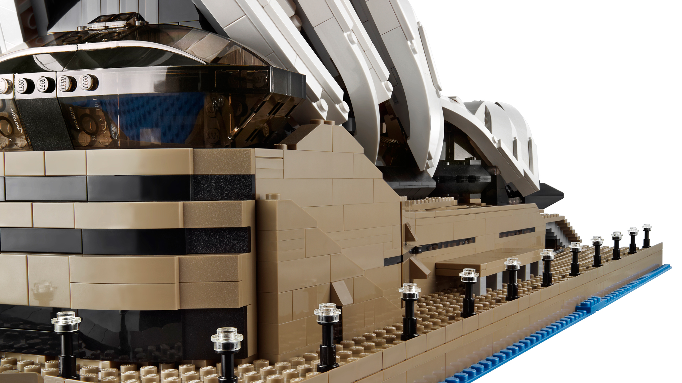 The new lego opera house is huge almost 3000 bricks Bricks sydney