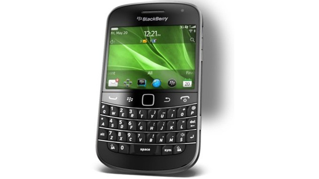 BlackBerry Bold 9900/9930 Phone Combines Touch, Type and NFC in Slim Bold Body