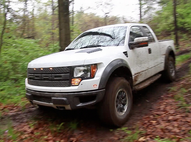 2010 Ford F-150 SVT Raptor 6.2: First Mud Bath