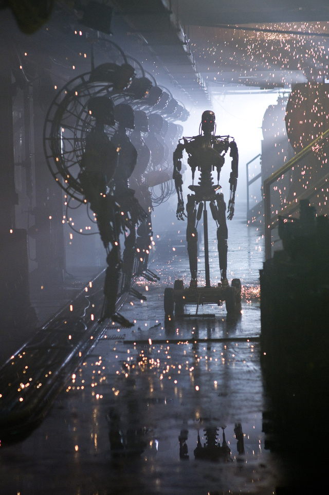 Brilliant New Terminator Salvation Pics, And A Sarah Connor Chronicles Clip!