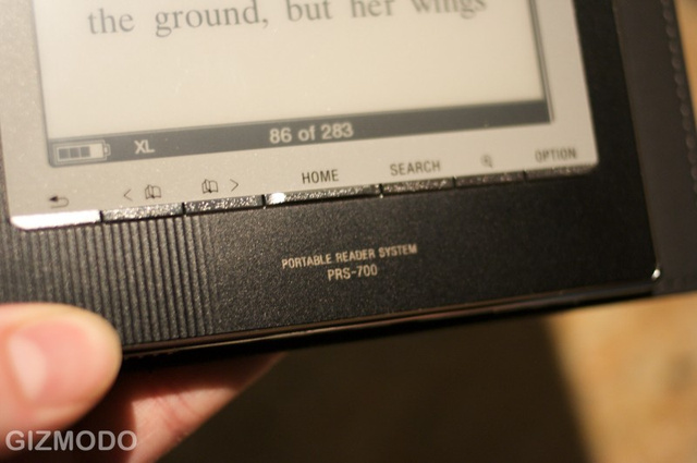 Hands On: Sony's New PRS-700 Touchscreen Reader