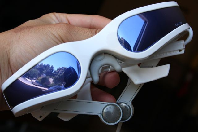 Battlemodo of Highest Res Video Goggles: Zeiss Cinemizer vs. Myvu Crystal