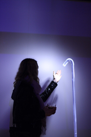 Pole: Is This the Most Minimal Lamp Ever?