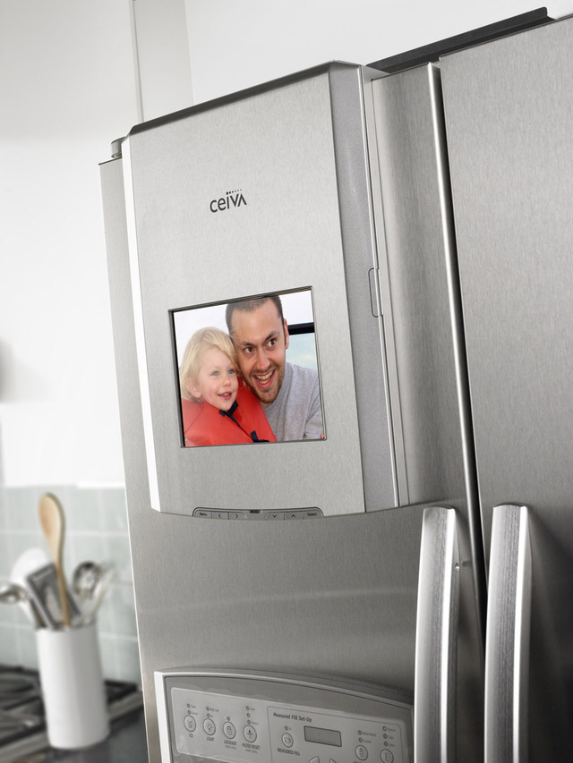 Whirlpool Plug-and-Play Refrigerator Has Docks for iPod, Photo Frames and Tablet Computers