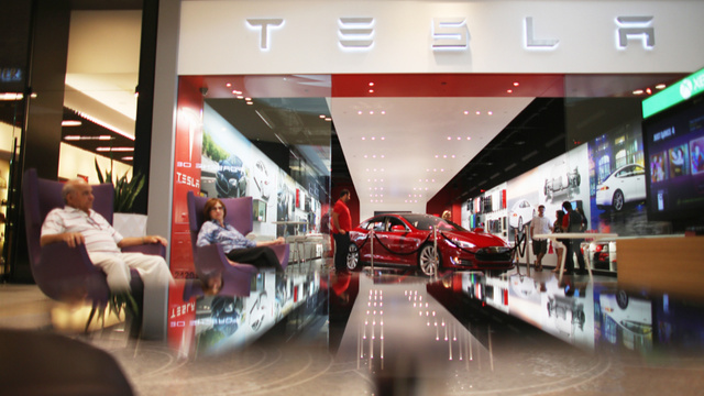 Dealers Want To Make It Illegal To Register A Tesla In New York
