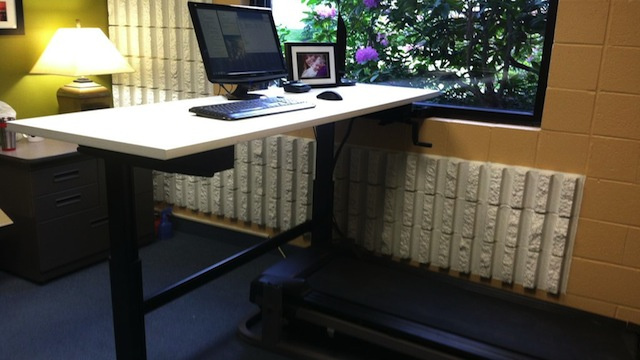 This DIY Treadmill Desk Helps You Stay Fit While You Work
