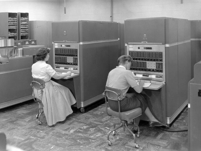 a computer history in ancient times Hewlett-packard is founded computers david packard and bill hewlett found their company in a palo alto, california garage their first product, the hp 200a audio oscillator, rapidly became a popular piece of test equipment for engineers.
