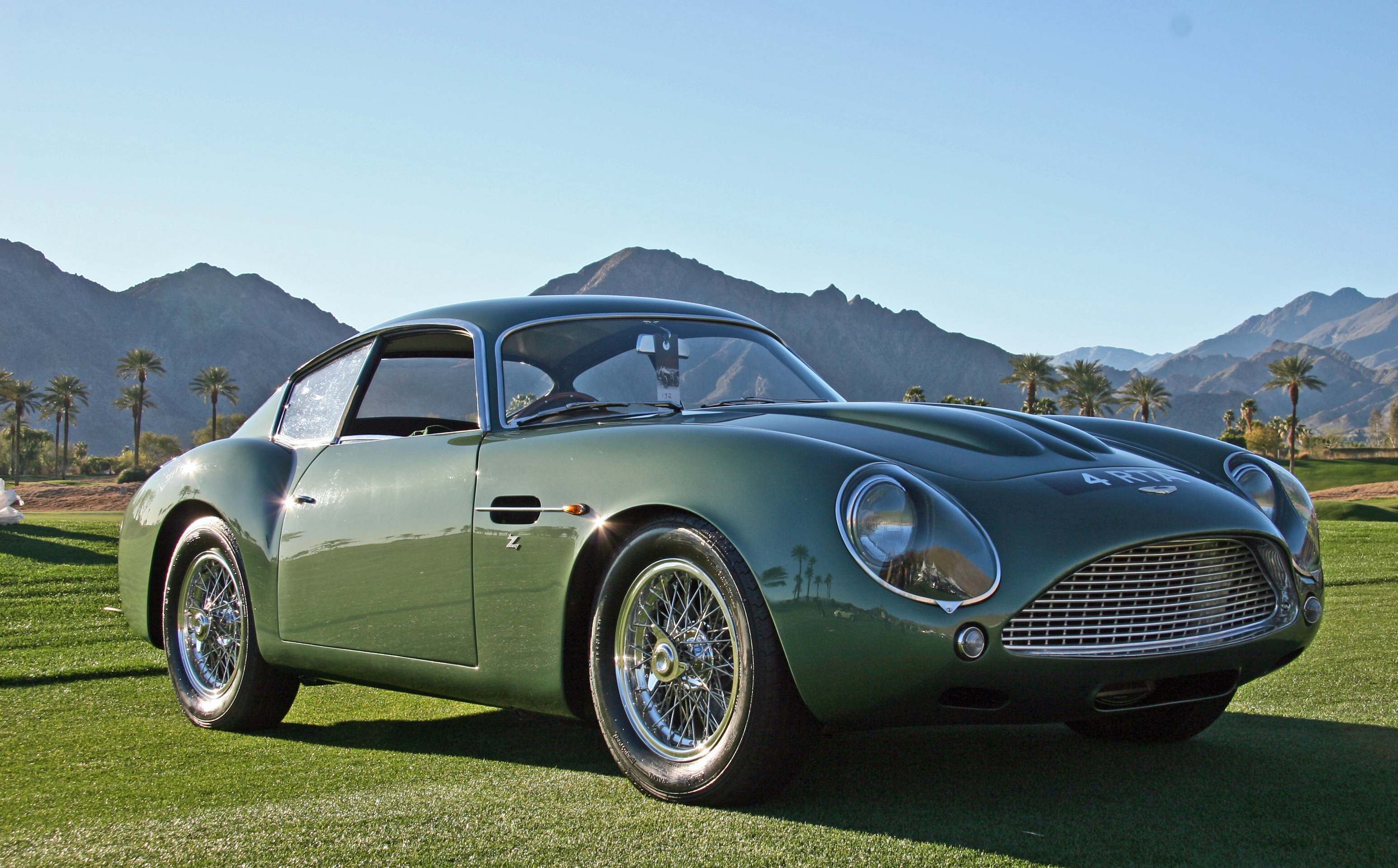 aston martin 39 s db4 zagato is as sexy as they come. Black Bedroom Furniture Sets. Home Design Ideas