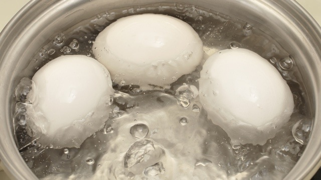 how to make hard boiled eggs in vinegar