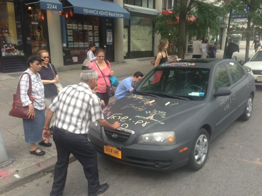 Artist Turns His Hyundai Into Art-on-Wheels With Chalkboard Paint