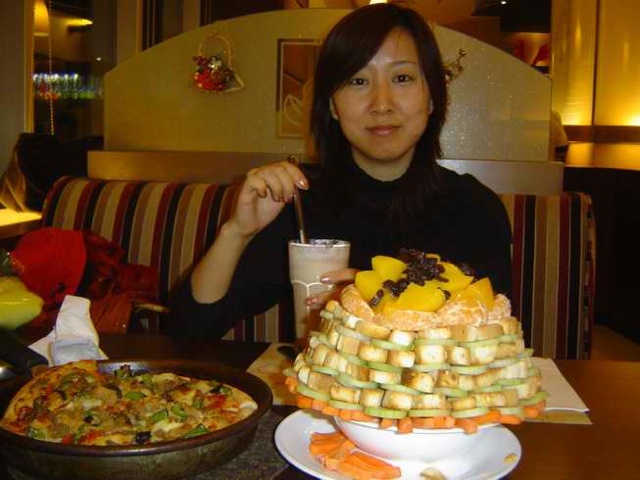 How Chinese Ingenuity Destroyed Salad Bars at Pizza Hut