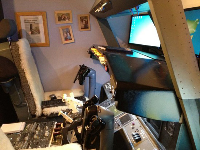 Dad of the Year Builds Functional 737 Cockpit in Kids' Bedroom
