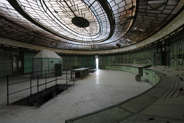 A Rare Glimpse Inside a Magnificent, Abandoned Shrine to Electricity