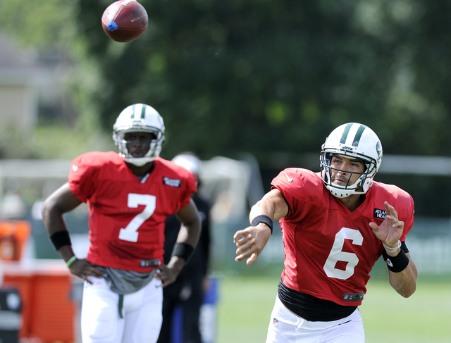Mark Sanchez Booed At Training Camp, To Antonio Cromartie's Dis…