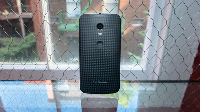 You Can Get the Moto X on That Insanely Cheap Unlimited Plan Right Now
