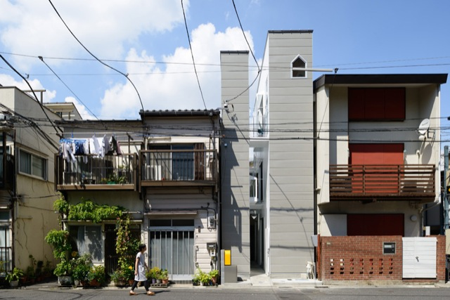 Cramped or not i want to live in these tiny japanese for Small japanese house design in tokyo by architect yasuhiro yamashita