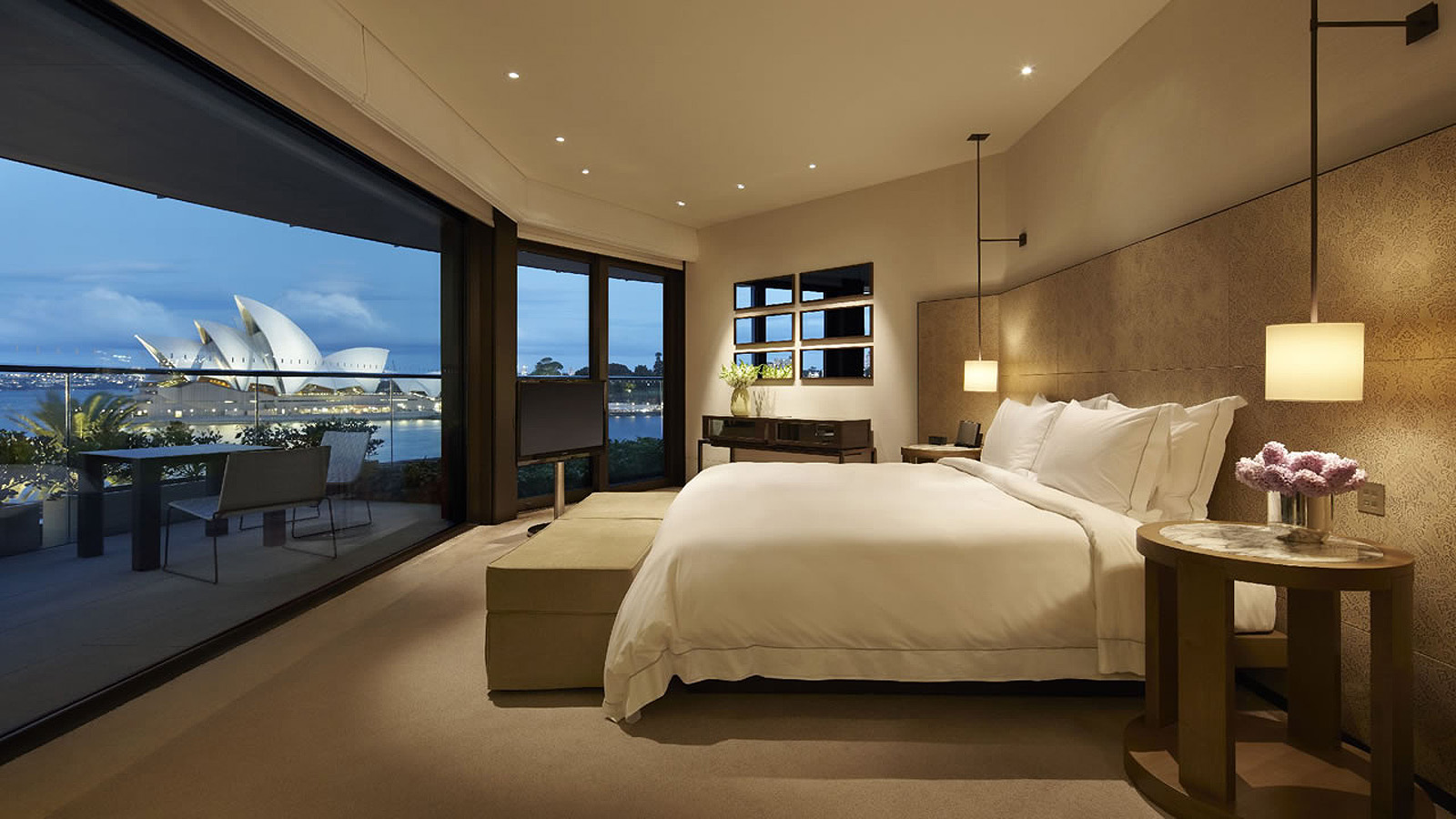 The most expensive hotel rooms in the world 39 s most for Hotel luxury world