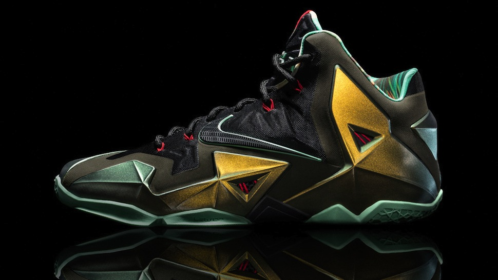 Nike Lebron 11 Femmes - 2013 08 Nike Lebron Xi Chaussures Tchapeau Look Like Space Rock Diamonds Coupon