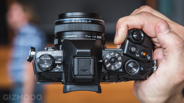 Olympus OM-D E-M1 Hands-On: So Hot, You Won't Believe Its Mirrorless
