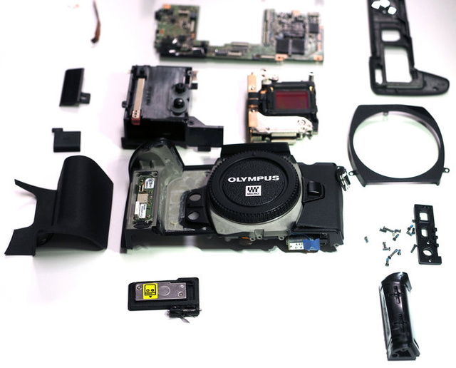 Olympus OM-D E-M1 Guts Show Off a Camera Tough as Nails