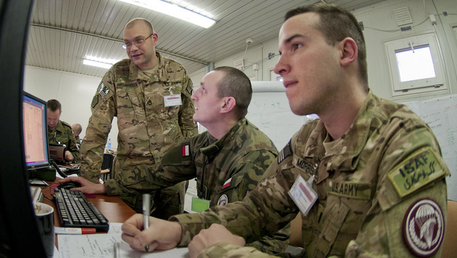 Military Scientists Use Yelp and Digg To Test Viral Marketing Skills
