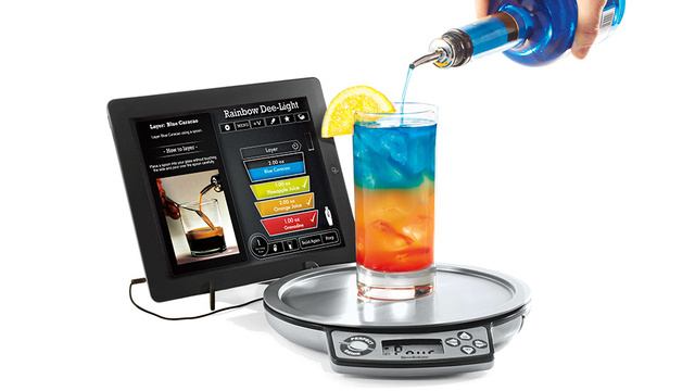 Everyone's a Master Bartender With This App-Connected Drink Scale