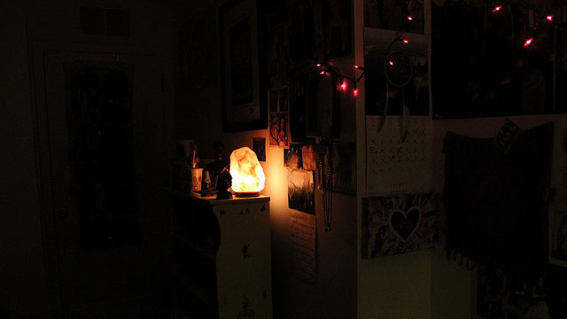 Boost Your Creativity by Dimming the Lights