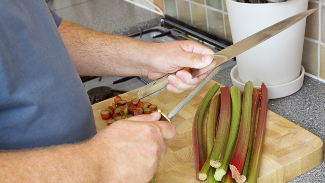 Five Essential Tools for the Left-Handed Chef