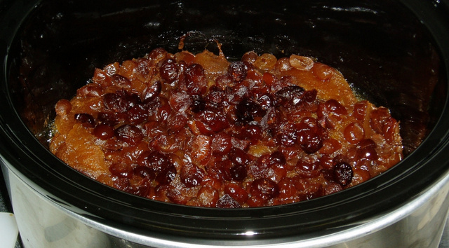Keep Your Slow Cooker On After Cooking for Easy Cleaning