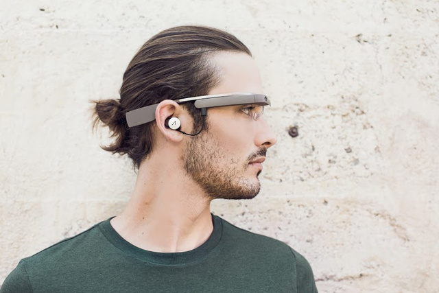 The Next Google Glass Looks Even Sillier Than the Old Google Glass