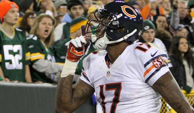 Bears Fan Tasers Packers-Fan Wife After Monday Night Football B…
