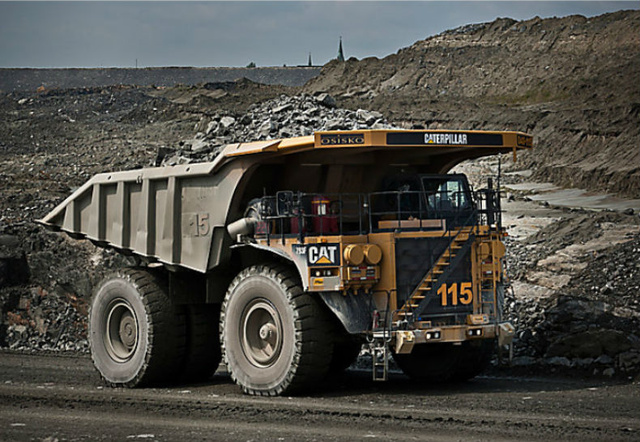 These Autonomous Dump Trucks Let Mines Operate Around the Clock