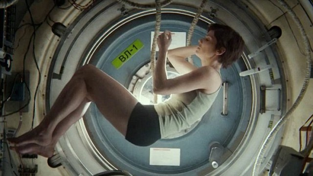 Astronaut explains why the underwear in Gravity was unrealistic