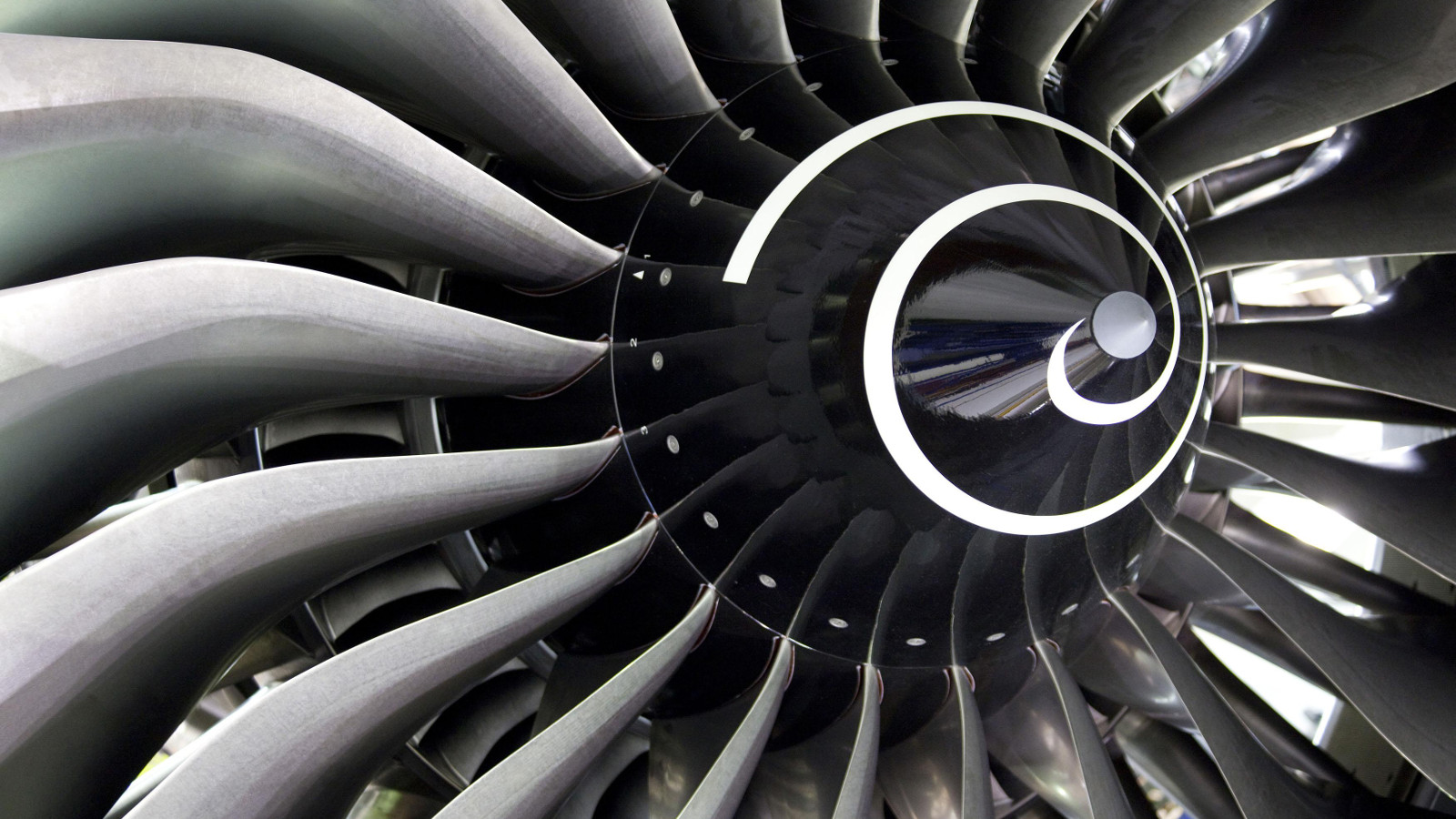 Rolls-Royce Is Going To 3D-Print Its Aeroplane Engine Parts