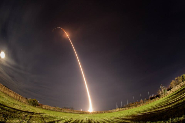 9 Glorious Shots of Last Night's Rocket Launch, Taken By You