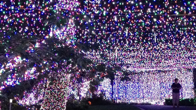 This Blinding 502,165 Christmas Light Display Is in Someone's Home