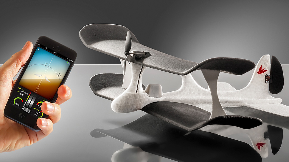An iPhone-Piloted RC Plane That Does Most Of The Flying For You